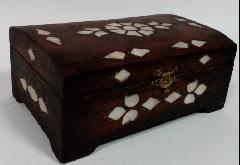 Сундучок деревянный с инкрустацией