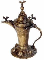 Медный кофейник с халепскими орнаментами (декоративный)